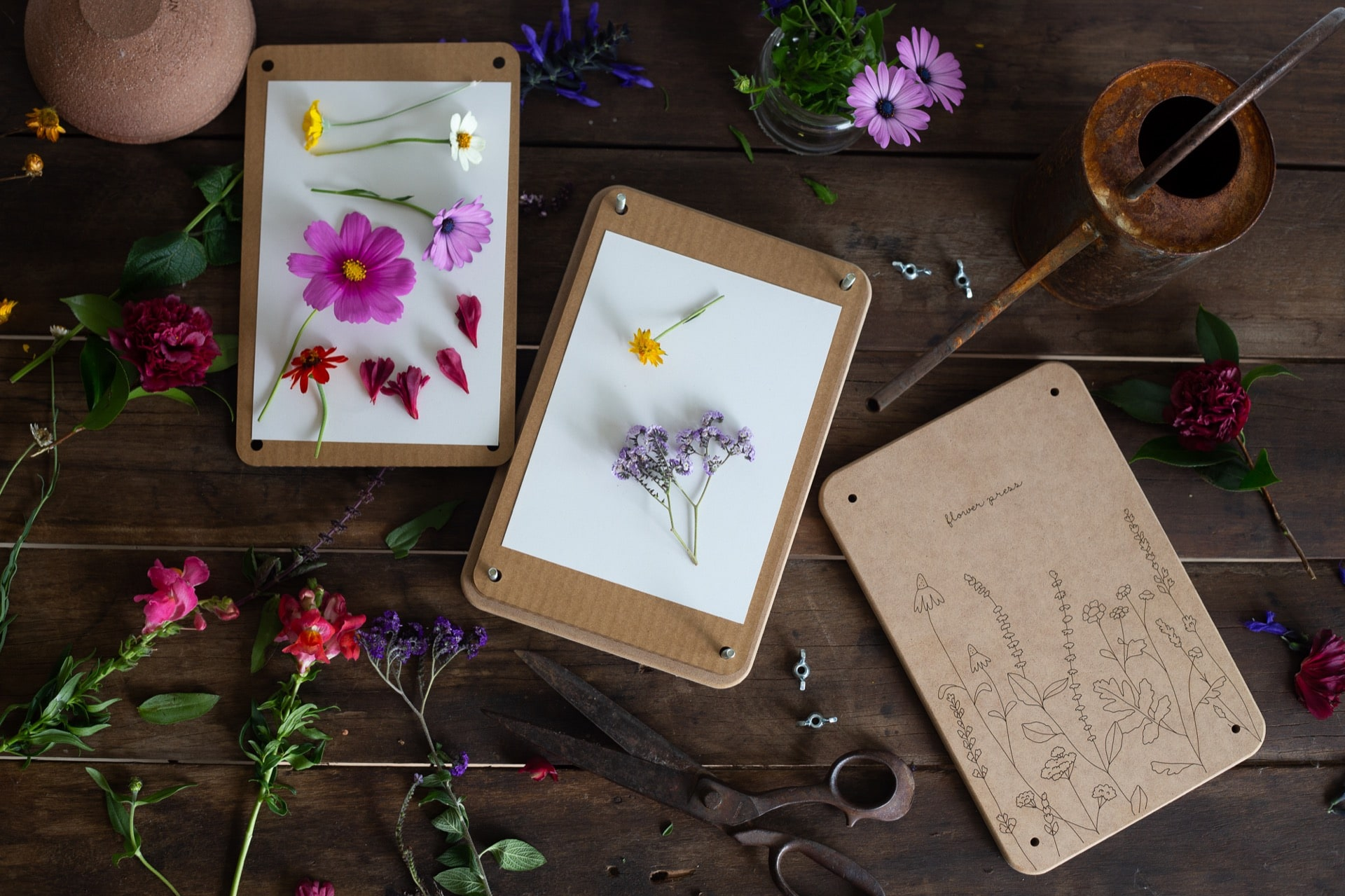 How to Make a Pressed Flower Frame